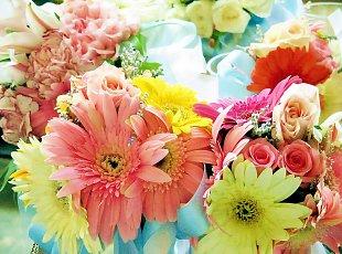 Simbolistica florilor din decoratiuni